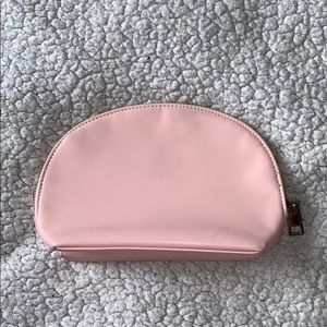 Forever 21 Bags - Forever 21 cosmetics bag